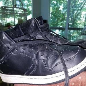 Youth Size 6 Black Leather Jordan Sneakers